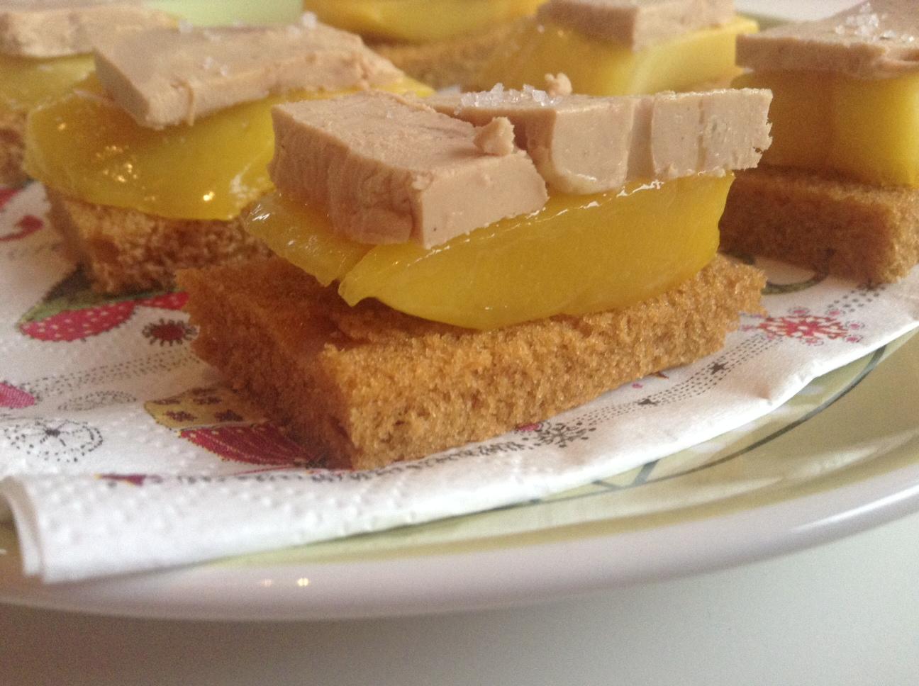 Ap ro festif 1 toasts foie gras pain d pices mangue for Amuse bouche foie gras aperitif